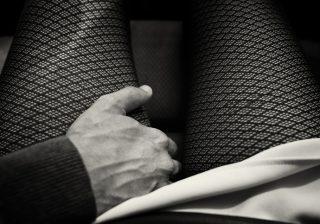 """【あなたの指が…♡】女性が快楽を得られる """"手マン"""" テクニック!"""