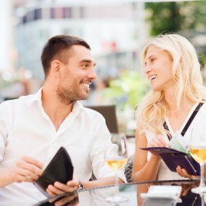 【ケチなの?】初デートを割り勘にする男性の心理とは?|リアルな夫婦生活 ♯42