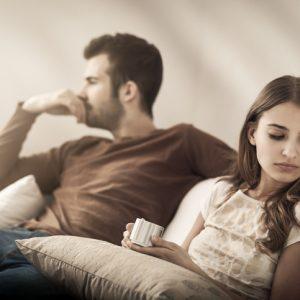 【アレをしなくなったら注意! 】男性が彼女に冷めてる時の行動3選