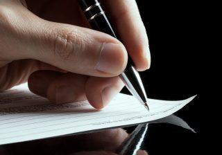 【筆跡♡性格診断】今すぐ「自分の名前」を紙に書いてみて!