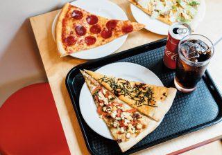 ジャンクじゃない! 焼きとんの名店『豚星』がピザ店オープン!