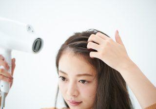 【ヘアアレンジ基本テク】誰でもめちゃ簡単! ふんわり流し前髪の作り方