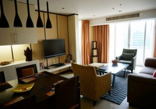 【秋旅はどこに泊まる?】ホテル、一軒家、ホステル…得する宿泊先の選び方!