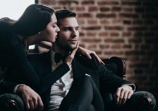 妻が不倫…サレ夫が感じた「今思うと怪しかった行動」4選