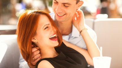 【健気さにズキュン…】男心を一瞬で掴んだ「彼女の愛情表現」3つ