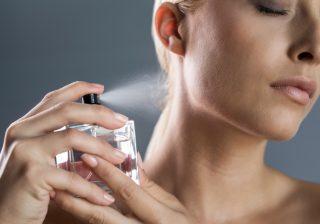 【うっ、キツい…】香水つけ過ぎてない? ふんわり香る、正しい使い方|STOP! 大間違い美容 #2