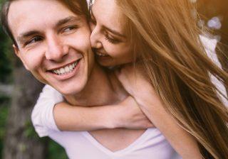 【××で出会うと結婚率が高い!】男が「プロポーズを即決」する共通点