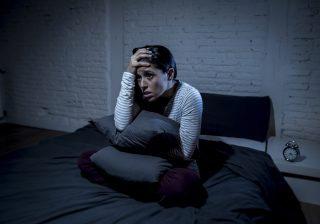 【意味を知ると怖い…】不幸を呼び寄せる「寝床の特徴」4つ