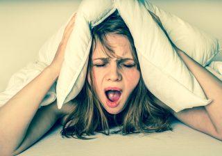 外の音がうるさーい! 騒音で眠りの浅い人が熟睡できるテク