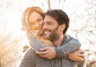 なかなか進展しない…「微妙な関係の男」の気を引く方法4つ