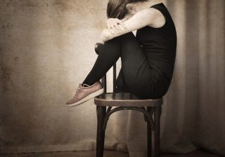 壮絶…「太るのが怖い」拒食と過食嘔吐、繰り返す摂食障害との戦い