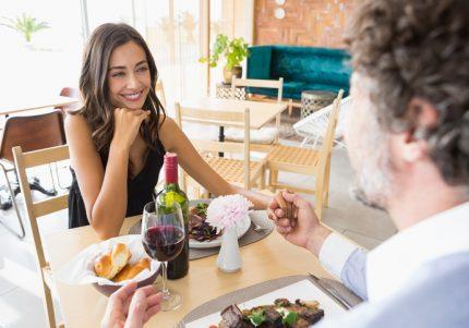 しゃべると残念な女…男性が一気に萎えてしまう女の話し方
