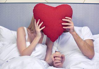性事情はちょっと…男が他人に話されたくない「二人の秘密」4選