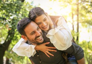 曖昧な関係は卒業…彼の「正式な」彼女になる3つの方法