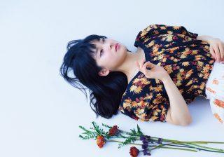 """土屋太鳳が春の""""花柄コーデ"""" カジュアルからエレガントまで"""