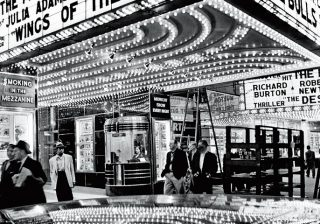 ウィリアム・クラインの作品も! 都市の熱気を感じる写真展