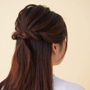 髪が多い人も不器用さんも…3分でモテ女子「簡単ヘアアレンジ」