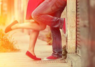 た、たまらん♡…彼をキュンキュンさせるかわいいキスのおねだり