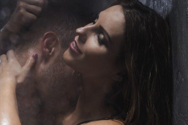 お泊りデート セックス