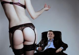 妻の怒り爆発!「風俗狂い夫」が許せず離婚しました…
