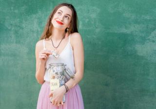 お金の増やし方保存版 2位投資、1位は意外と預金…30代女性の方法