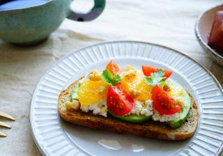 彼の朝食に…ただ切って乗せるだけ!「簡単オープンサンド」