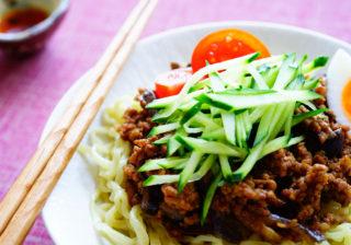スタミナ満点…! おうちデートの簡単夜食「彼が喜ぶ麺レシピ」