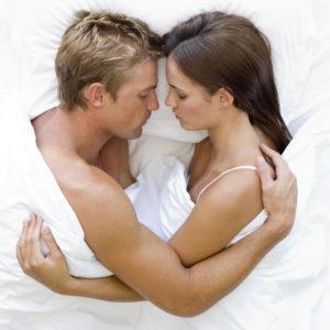 【相性診断】カップルの寝方から分かる深層心理とは?