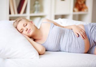 毎日しんどい妊婦さん必見!  つわりや不調の原因になり得る習慣