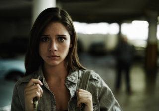 防犯・護身術師 おりえさんに聞く「夜、女性のひとり歩き防犯テク」