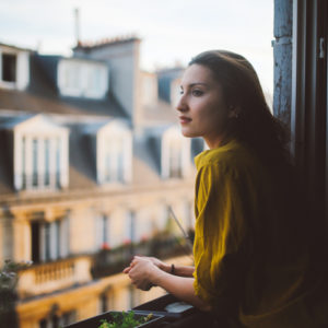 夜中にドアをガチャガチャ…! アラサー女子の「ひとり暮らし体験談」