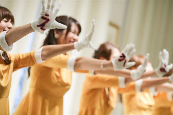 トレンドの余興「恋ダンス」