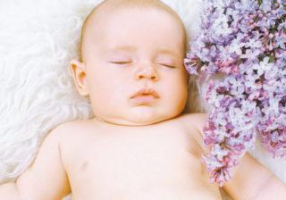 はやくも夜型!? 生後2か月の赤ちゃん…ママパパが気になること #18