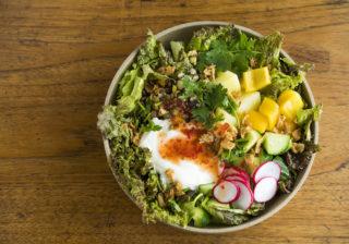 パワーサラダにアレを入れる?! おいしいのにキレイなれる驚きレシピを発見!