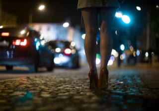 霊がついてくる…夜、「帰り道でしてはいけない」コト4選