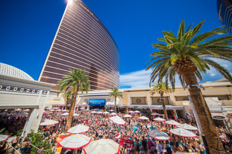 Encore-Beach-Club_Credit-Tony-Tran-Photography-for-Wynn-Las-Vegas