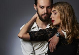 背中を指でツーッと…女の「性欲を刺激した」ナンパテク3選