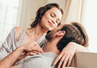 始まりの合図は肩もみ…女性200人H調査「セックスの流れ」赤裸々告白