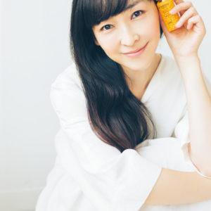 麻生久美子さんの疲れ知らずな美肌の秘密とは?
