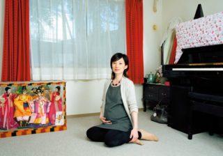 自傷行為の生々しさも…在日コリアン、中国、日本などアジアの女性写真家展