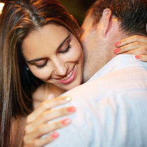 キスのおねだり…彼を悶絶させるかわいいキスの誘い方
