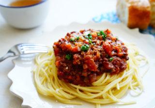 男が喜ぶパスタ…肉の旨味じゅわ~!簡単「スパゲッティミートソース」