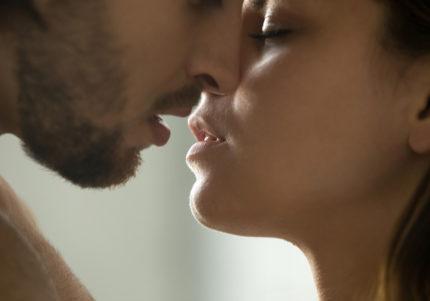 パスタの食べ方でわかる!ムラムラ興奮「とろけるキス」診断