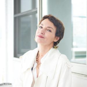 女優ジャンヌ・バリバールが語る元夫マチュー・アマルリック監督の魅力