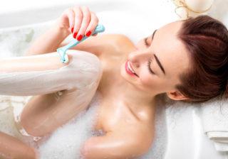 お風呂で幻滅…!男がドン引きした「女の下半身事情」3選