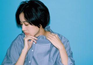"""実力派女優・石橋静河""""ノーブルシャツ""""の着こなしで魅せる"""