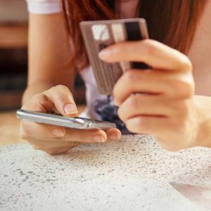 お金のプロが教える!今、女子が持つべき「お得なクレジットカード」4選