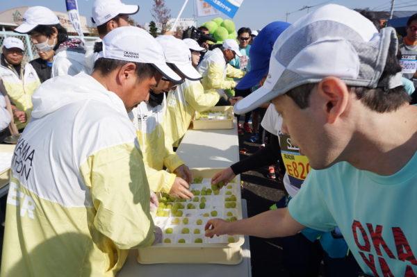 おかやまマラソン2018-3シャインマスカット2