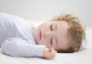 「うちの子、布団をはいじゃう!」解決策…生後11か月の育児 #34