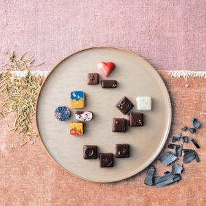 竹炭やほうじ茶のチョコ!? 和の素材を生かした絶品ショコラ4選